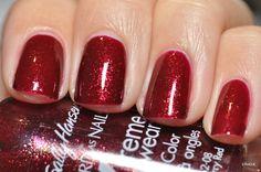 "Sally Hansen ""Fireberry Red"""