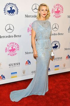 Julianne Hough in a beautiful crystal-covered Jenny Packham gown