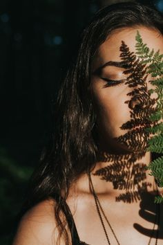 Senior in the forest with fern shadows on face – Portrait Photography Creative Portrait Photography, Self Portrait Photography, Portrait Photography Poses, Photo Portrait, Photography Poses Women, Face Photography, Tumblr Photography, Digital Photography, Photography Business