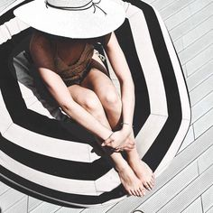 Summer vibes / black and white striped rug towel