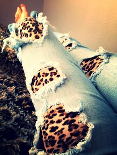 Ripped Jeans and leopard leggings