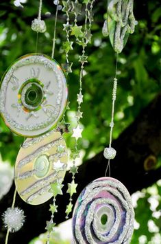 Do you have a stack of old CDs that you don't use any more? Reuse them again by making this fun wind chime craft project with your kids. With these shiny
