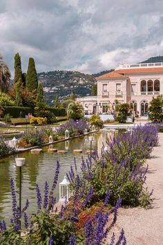 The pink villa of Ephrussi de Rothschild in Saint-Jean-Cap-Ferrat, France (Côte d'Azur) | Bold Bliss