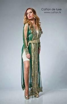On vous proposons un caftan élégance d'année 2014, caftan haute couture d'une qualité supérieur et un design très chic