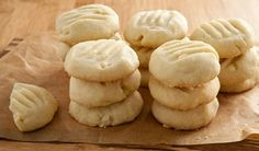 classic shortbread cookies. might have to add to my christmas baking list.