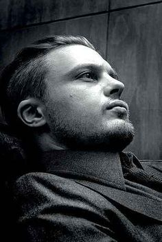 27 Men's Undercuts That Will Awaken You Sexually - Michael Pitt