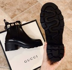 Dr Shoes, Hype Shoes, Me Too Shoes, Shoes Heels, Shoes Tennis, Tennis Sneakers, Leather Ankle Boots, Heeled Boots, Shoe Boots