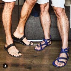 Dj sandals for MEN Mens Shoes Boots, Sock Shoes, Mode Masculine, Flipflops, Barefoot Men, Beautiful Sandals, Stylish Sandals, Mens Flip Flops, Male Feet