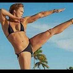 Ufc Women, Sexy Women, Strong Women, Kickboxing, Jiu Jitsu, Muay Thai, Sports Illustrated Swimsuit 2015, Ronda Jean Rousey, Ronda Rousey Hot