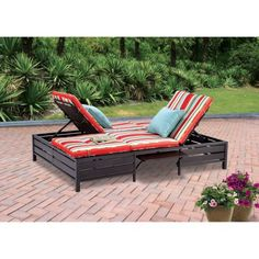 Double Chaise Lounger - This red stripe outdoor chaise lounge is comfortable sun patio furniture Guaranteed which can also be used in your garden, near your pool, or on your deck or lawn. The chaise longue or longe is a great recliner sofa chair. Patio Chairs, Outdoor Chairs, Lounge Chairs, Patio Daybed, Pool Lounge, Blue Chairs, Patio Seating, Rocking Chairs, Outdoor Cushions