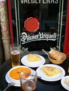 Tortilla & Salmorejo (Taberna La Ardosa, Madrid, Spain)