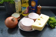 Lyoner Wurst , Emmentaler , Zwiebel , Essig , Öl Salt, Dairy, Pudding, Cheese, Desserts, Food, Humor, Lettuce Recipes, Vinegar