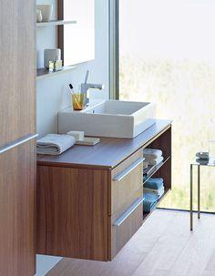Bathroom Furniture from Duravit - a leading manufacturer of innovative bathroom furnishings Duravit - Living bathrooms. Wooden Vanity Unit, Vanity Units, Large Bathroom Furniture, Italia Design, Large Baths, Mirror Cabinets, Beautiful Bathrooms, Bathroom Interior Design, Bathroom Inspiration