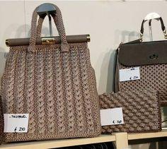 журнал посвящен созданию сумок вязан