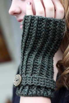 Pattern for Ribbed Fingerless Gloves via Craftsy