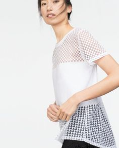 T-SHIRT DEVORÉ 17,95€ Zara