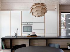 Ihana yhdistelmä valkoista, mustaa ja puuta! #etuovisisustus #keittiö #tulikivi
