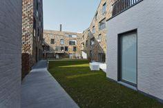 """Instapklare nieuwbouwappartementen te koop in woonproject """"Gouden Boom"""" in Brugge. Hedendaagse architectuur en unieke interieurs. Onmiddellijk beschikbaar voor u."""