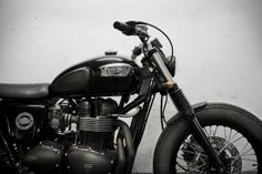 GasCap Motor's Blog: 2004 Triumph Bonneville by CRD Cream Motorcycle