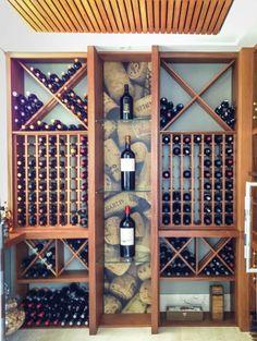 Adega c&t adegas clássicas por juliana stefanelli arquitetura e design clássico Wine Cellar Basement, Wine Cellar Racks, Wine Rack Storage, Wine Rack Wall, Wine Shop Interior, Spiral Wine Cellar, Bar Sala, Home Wine Cellars, Wine Cellar Design