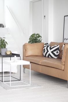 The perfect couch! So modern and so sleek I love it | HOME ...