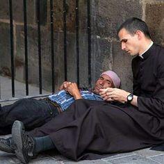 Catholic Priest, Catholic Saints, Catholic Art, Roman Catholic, Ora Et Labora, Catholic Catechism, Religious People, Catholic Quotes, Blessed Mother