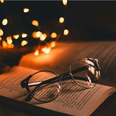 reading at night Tumblr photography Book photography Photography wallpaper