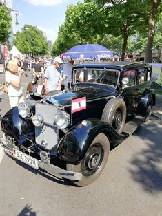 #zabytkowy #samochod #alcapone #berlin #gangsta #samochod #car #black Al Capone, Antique Cars, Berlin, Classic Cars, Black, Vintage Cars, Black People, Vintage Classic Cars, Classic Trucks