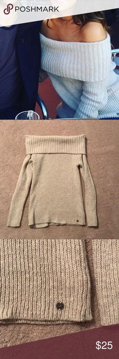 Off the Shoulder Sweater Off the Shoulder sweater from Hollister in Size Medium. Only worn once Hollister Sweaters