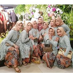 Bridesmaids, Bridesmaid Dresses, Wedding Dresses, Javanese Wedding, Hijab Fashion, Women's Fashion, Kebaya Brokat, Hijab Style Dress, Kebaya Muslim