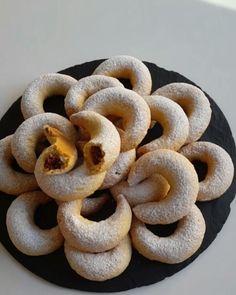 """12.7b Beğenme, 194 Yorum - Instagram'da Merve Ünal (@pacikanin_mutfagi): """"Hayırlı geceler 🙌 Farklı bir kurabiye arayışındaysanız bence bu tarif tam size göre 💃 Hurmalı ay…"""""""