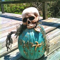Coastal Themed Halloween decor. perfect since I live on an island & love skulls :)