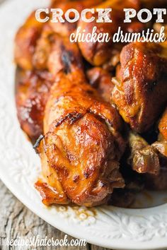 Are you looking for quick and easy crock pot recipe for chicken legs? Crock Pot Chicken Drumstick recipes are so flavorful and perfect for that off-the-grill taste! Chicken Leg Recipes, Chicken Drumstick Recipes, Chicken Legs, Chicken Thighs, Baked Chicken, Roast Recipes, Healthy Crockpot Recipes, Slow Cooker Recipes, Crockpot Meals