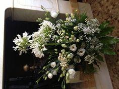 Ecco i fiori, arrivati a casa da due care famiglie del condomino. Grazie!!!