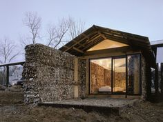Corrugated Cardboard House in Hale County, Alabama by Rural Studio (Auburn University). Alabama, Corrugated Fiberboard, Rural Studio, Straw Bales, Hay Bales, Eco Architecture, Amazing Architecture, House Made, Green Building