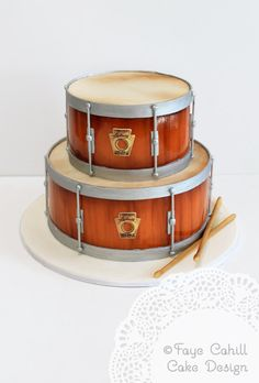 Ludwig Brand Cake- my son would dig it. Music Themed Cakes, Music Cakes, Drum Birthday Cakes, Bolo Musical, Cake Cookies, Cupcake Cakes, Realistic Cakes, Drum Cake, Edible Cake