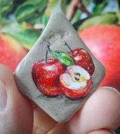 Elma #art #artist #drawing #illustration #tasboyama #rockpainting #elma #apple #redapple #appledrawing #appleillustration #fruit