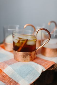 Fall cocktail: http://www.stylemepretty.com/living/2015/10/01/easy-ways-to-cozy-up-your-home-for-fall/ | Photography: Erin McGinn - http://www.erinmcginn.com/