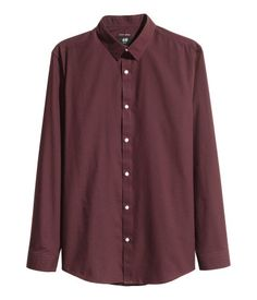 Burgundy. Long-sleeved shirt with an easy-iron finish, a turn-down collar, and shaping darts at back. Slim fit.