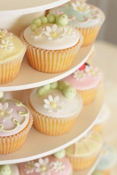 enchanted garden cupcakes by hello naomi