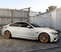 #BMW #M4 on #goldenrims