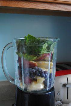 FlipFloppingMamma's Yummy Fresh Fruit and Veggie Smoothie.  :)