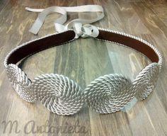 #cinturon #circulos #cordondeseda #hechoamano Rope Jewelry, Leather Jewelry, Jewelry Art, Jewelery, African Accessories, Diy Hair Accessories, Handmade Accessories, Fashion Belts, Diy Fashion