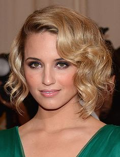 Top 15 Wavy Hairstyles - Daily Makeover