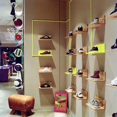 GYM 컨셉의 팝업칼라로 된 스포츠매장 Volution Sports store [패션인테리어,매장인테리어] : 네이버 블로그