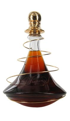 Frapin Cognac Cuvee 1888 is a mixture of several vintages, some predating its 1888 moniker, it has hints of soft spices and a surprising floral aroma. Tequila, Vodka, Alcohol Bottles, Liquor Bottles, Perfume Bottles, Strong Drinks, Buy Wine Online, Bottle Packaging, In Vino Veritas