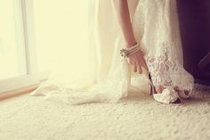 I want to take this picture and have the Bride be my daughter. Love Pictures, Cool Photos, Amazing Photos, Couple Photography, Wedding Photography, Photography Ideas, Save The Date Photos, Marrying My Best Friend, Picture Ideas