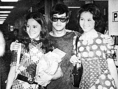 Nora Bruce and Maria at Kai Tak airport for the press conference of The Big boss