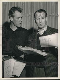 """1955 Press Photo Richard Kiley and Lee Marvin, actors in """"Shakedown Cruise"""""""