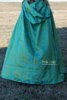 Doodle Craft...: Once Upon a Time Belle's Traveling Cape!